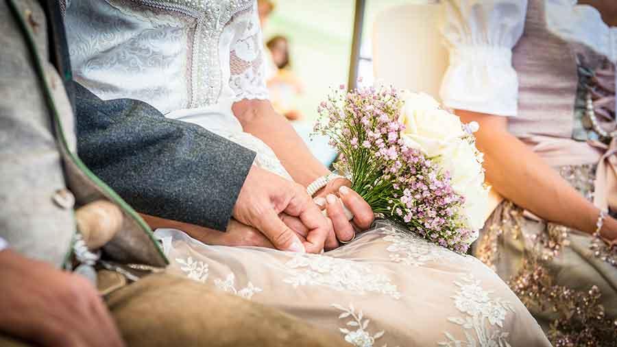 kartlerei trachtenhochzeit bayrische karten bayrische hochzeit heiraten tracht - Heiraten in den Bergen